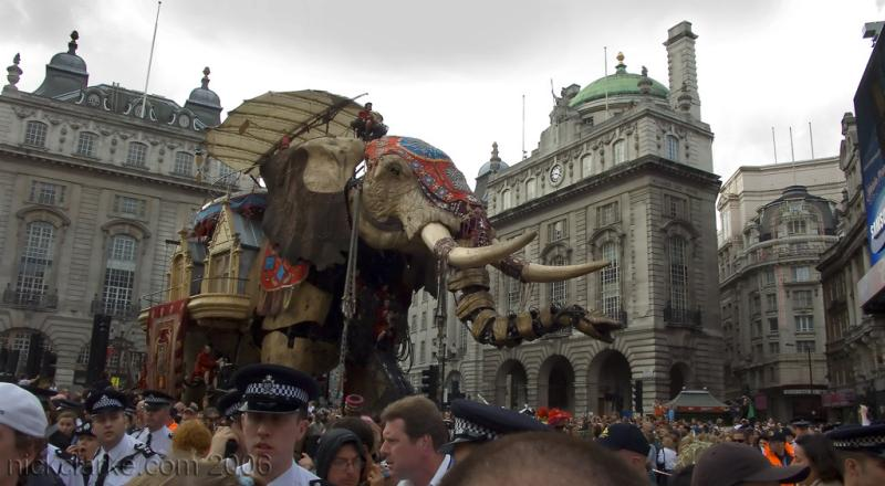 Sultans (mechanical) elephant, stalks the crowds in London