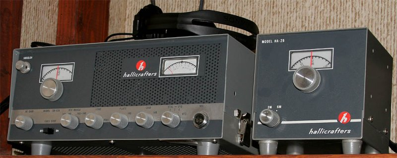 Hallicrafters SR-42A transceiver and HA-26 VFO