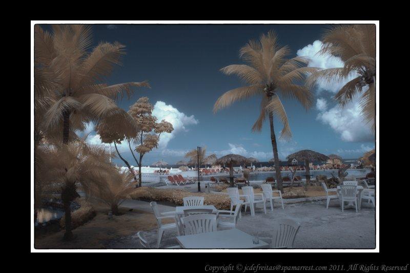 2011 - Infrared - Sol, Mares e Luna Hotel - Holguin, Cuba