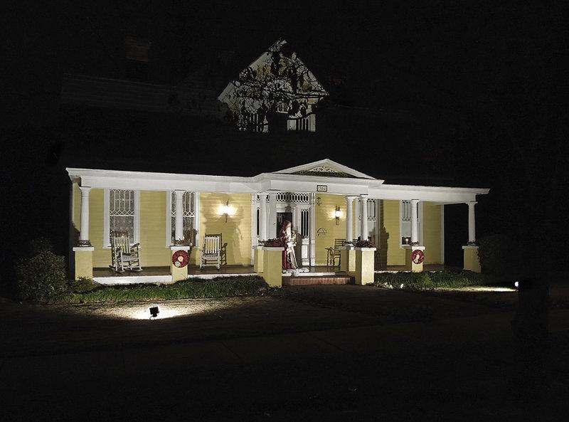 Opelika, Alabama Victorian Christmas Display