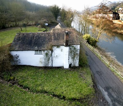 Cottage by the Severn