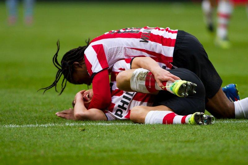 Mertens injured after scoring a goal