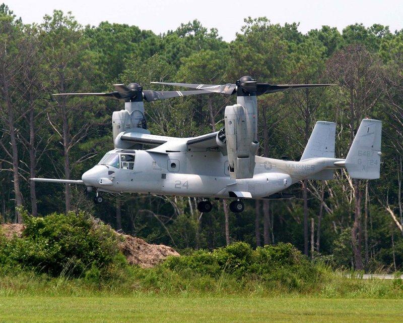 V-22 Osprey Flies into Kitty Hawk