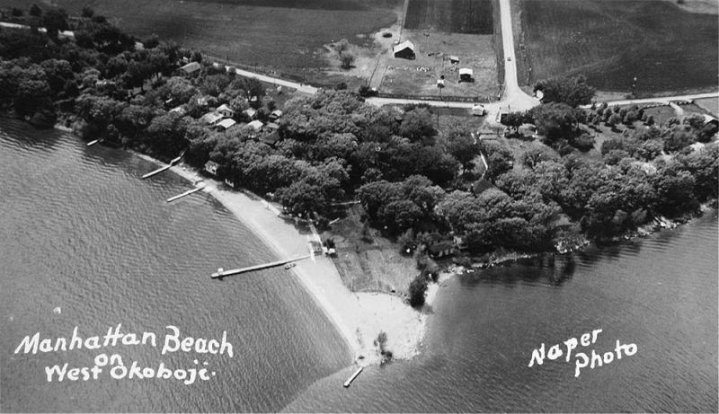 Manhattan Beach 1940s