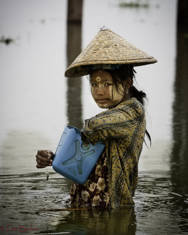 Fishing onThaung Thaman Lake Mandalay,Burma
