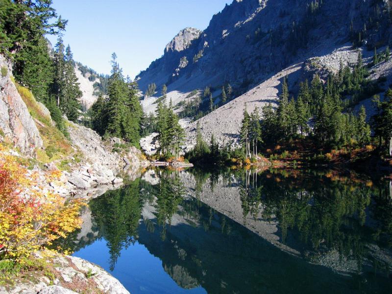 SEPTEMBER<br> Lake Melakwa in the Cascades</br>