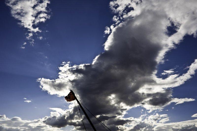 <B>Sky</B> <BR><FONT SIZE=2>Hammamet, Tunisia - 2008</FONT>
