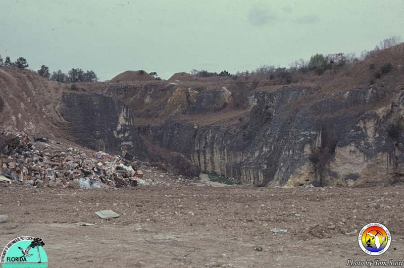 Garbage in Marion Co Pit.jpg