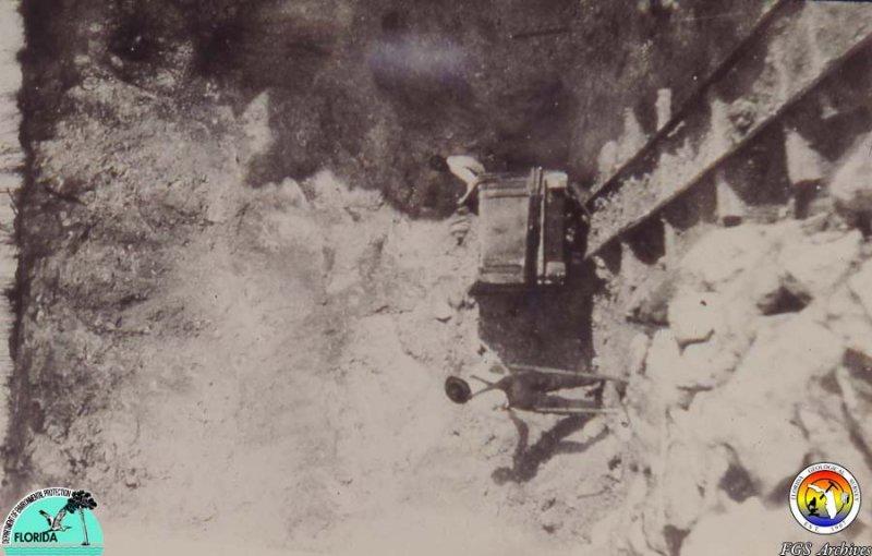 Old Phosphate mine 3.jpg