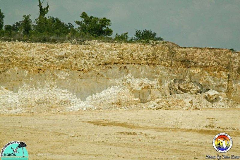 Karst features Vulcan Quarry Hernando co2.jpg