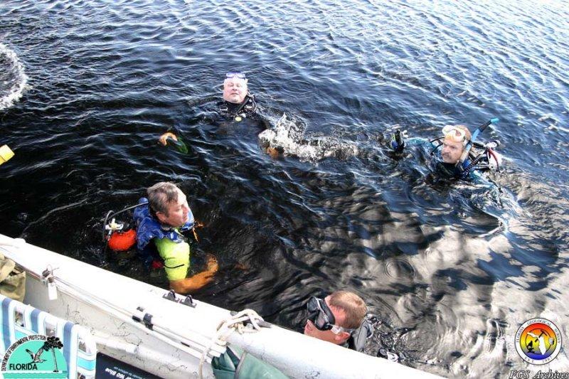 Dive Crew Lake Jackson.jpg