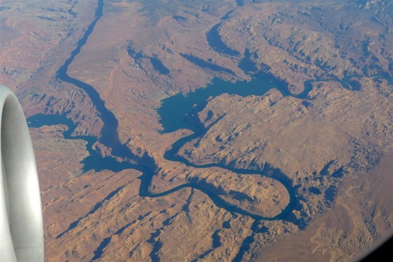 647 Arizona from plane.jpg