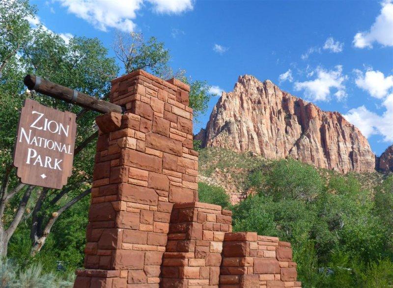 312 Zion Sign 2.jpg