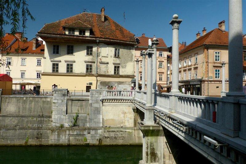 202 Cobblers Bridge, Ljubljana.jpg