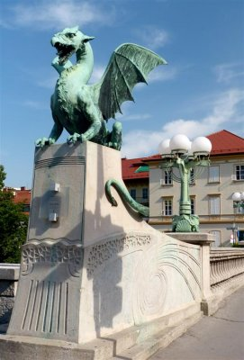 222 Dragon Bridge (Zmajski most), Ljubljana.jpg