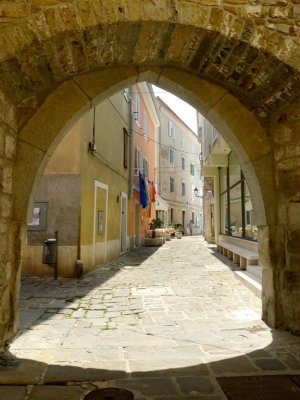 489 Porta Delfin, Piran.jpg
