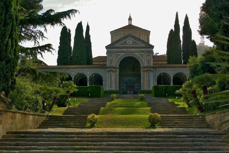 María Reina Church