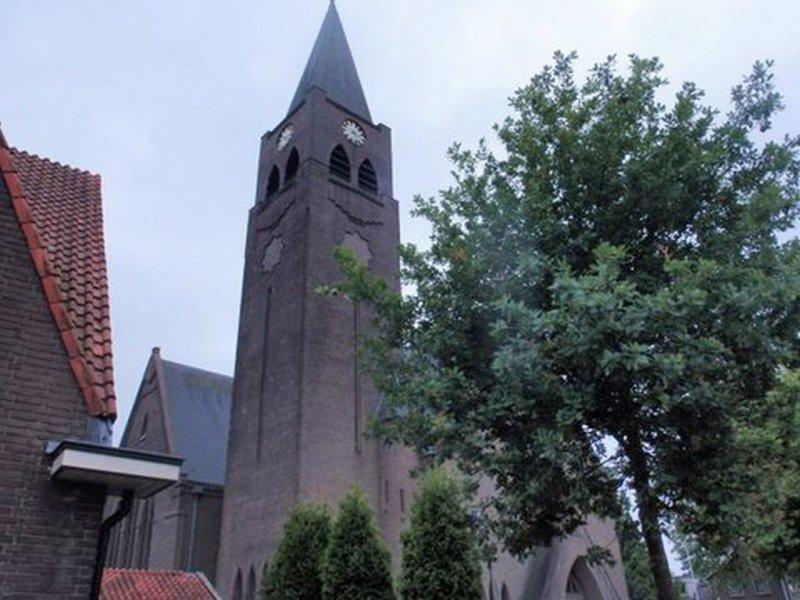Heino, RK kerk olv tho 11 [004], 2012.jpg