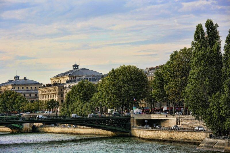 ParisLouveNDame-100 copy.jpg