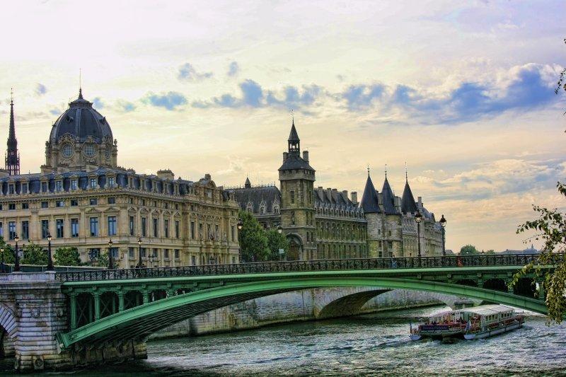 ParisLouveNDame-136 copy.jpg