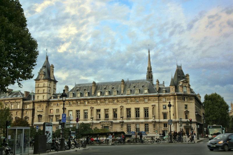 ParisLouveNDame-373.jpg