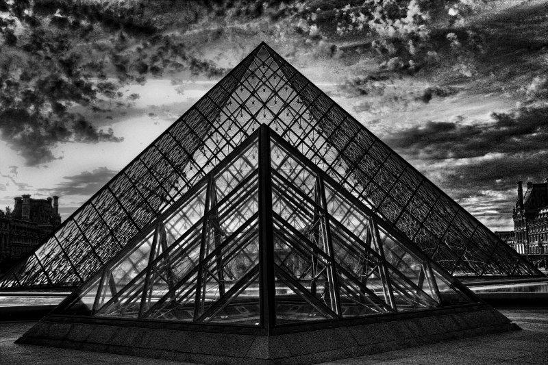ParisLouveNDame-2bwcha.jpg
