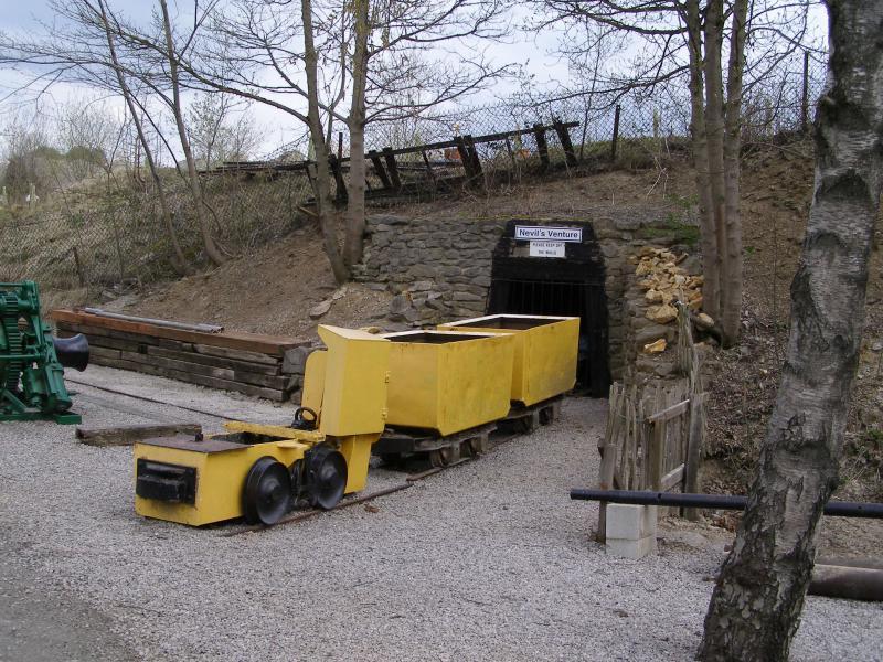 Mine Rail Loco and Trucks