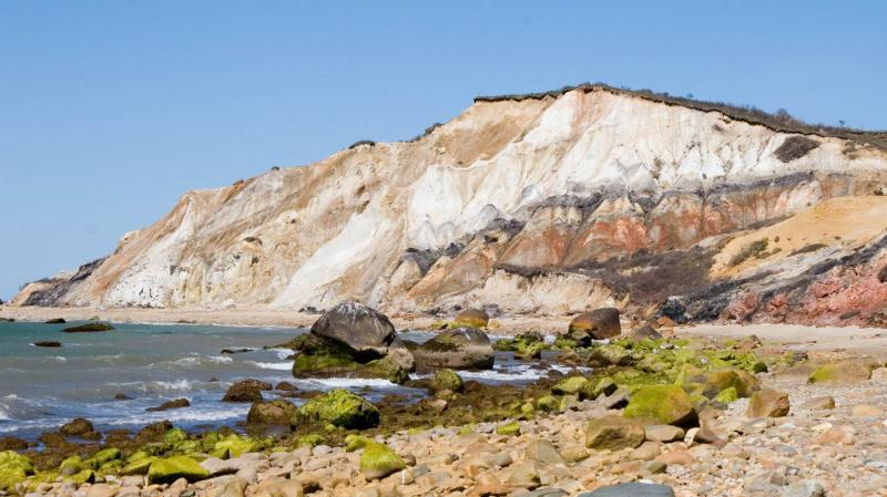 Fragile sand cliffs