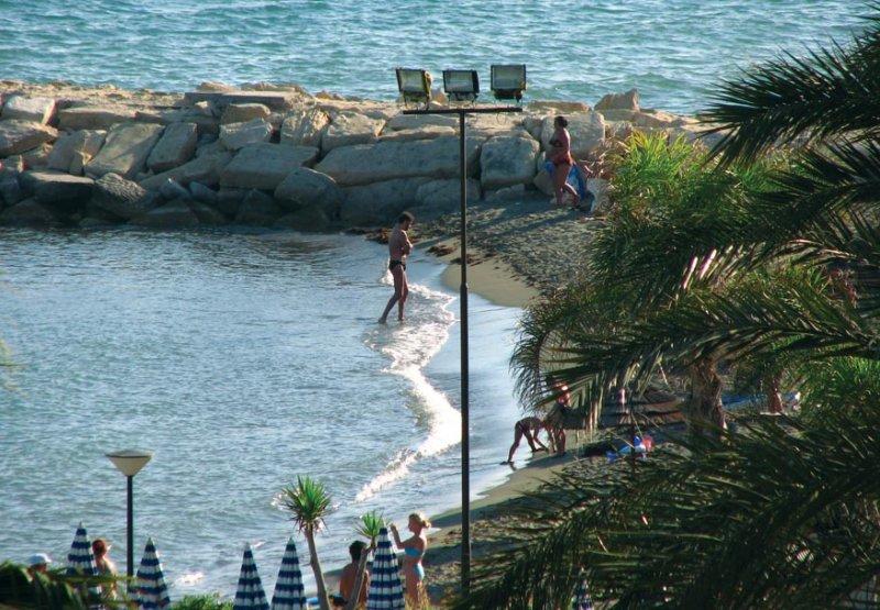 Amathus Beach