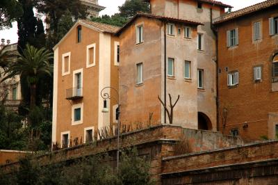 Roma Apartments