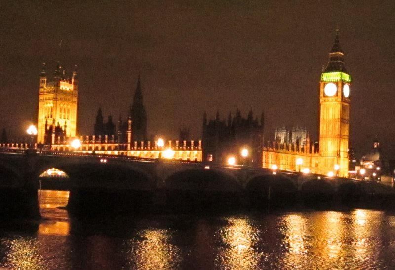 The  Palace  of  Westminster,  fronted  by  Westminster  Bridge.