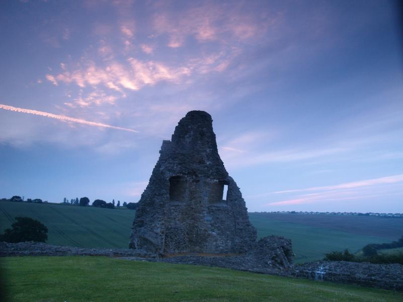 Hadleigh Castle at dawn