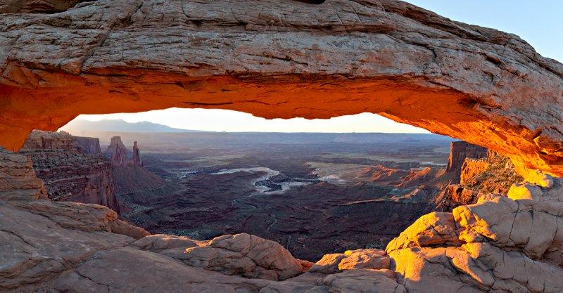 11-09 Mesa Arch 1.jpg
