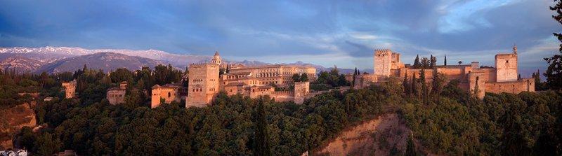 06-05 Alhambra, Granada 12.jpg