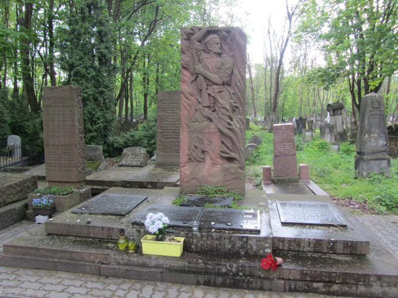 one of many memorials to Warsaws Jewish soldiers in WWII