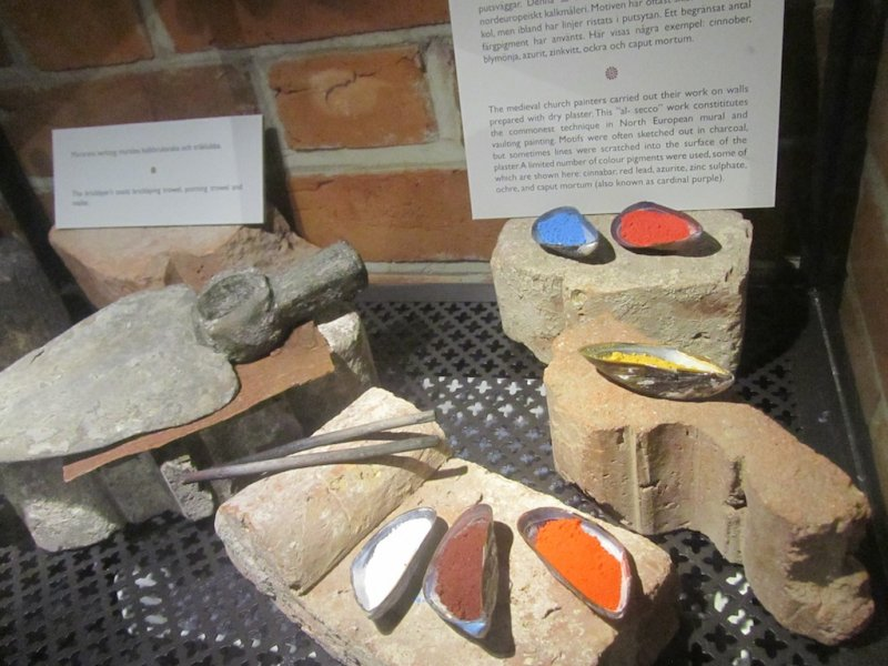 some re-created dyes for medieval paints