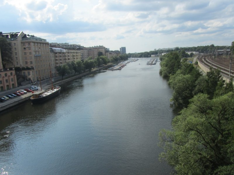later that day, crossing the Sankt Eriks bridge to Kungsholmen