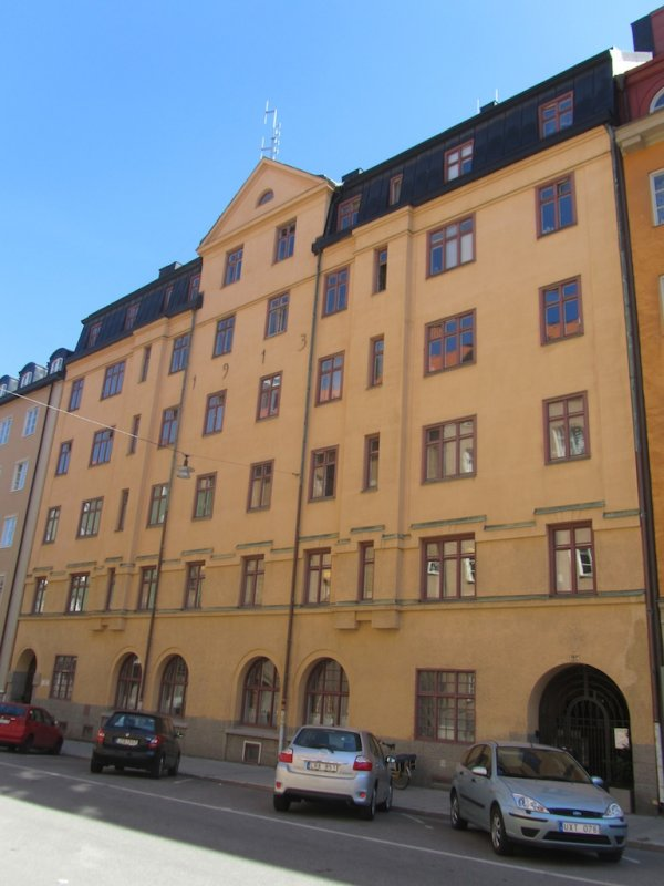 back on Södermalm, this house sheltered Jewish immigrants in the 1920s