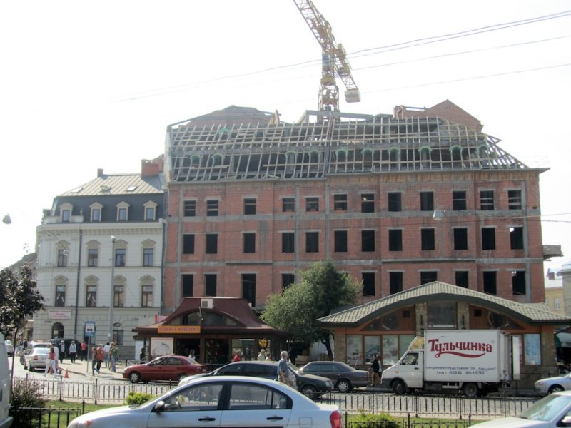this building under construction is there now