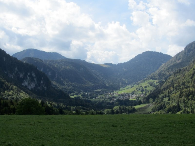 now we head up the Abondance valley...