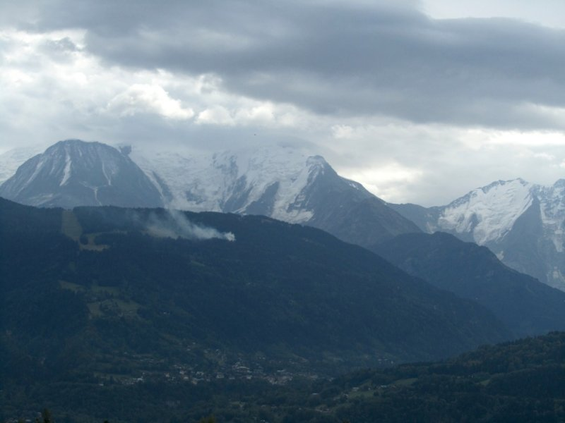 ...and the view down to Chamonix