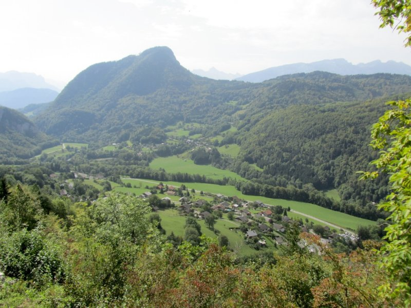 a view over the Giffre river valley...