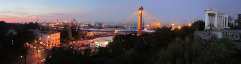 pano: the port of Odessa at night
