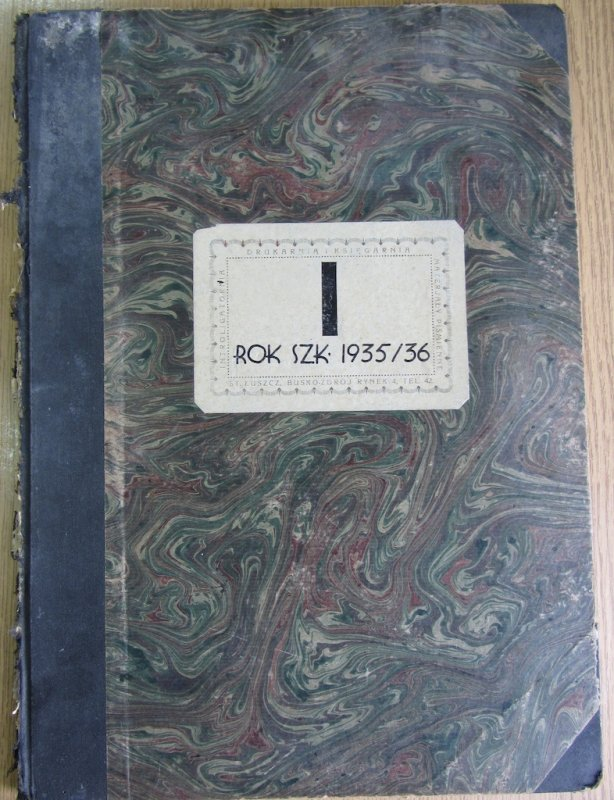 1935/36 record book of the school, awaiting my arrival!