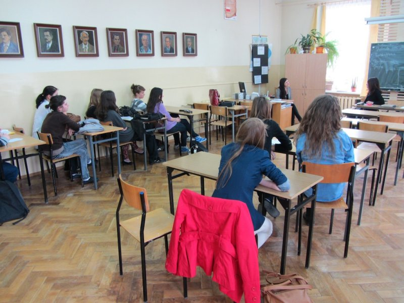 Speaking before students of English about Rohatyn, Bronia HORN (who taught at the school 1935/36), and why I am here!