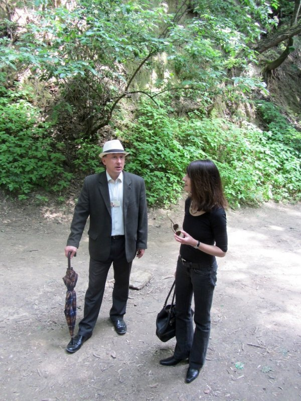 our guide tells us some legends about the ravines
