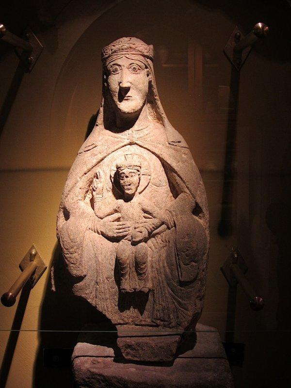 a sandstone madonna from the 13th century
