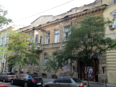 heres a house Gogol himself occupied in 1850-51