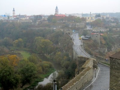 this bridge connects the castle with the old town, and divides the river