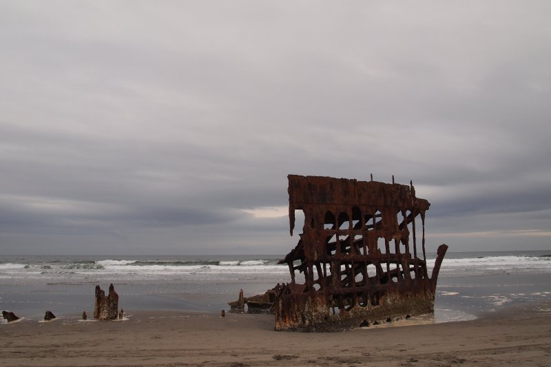 The wreck of the Peter Iredale. Ran aground in 1906.